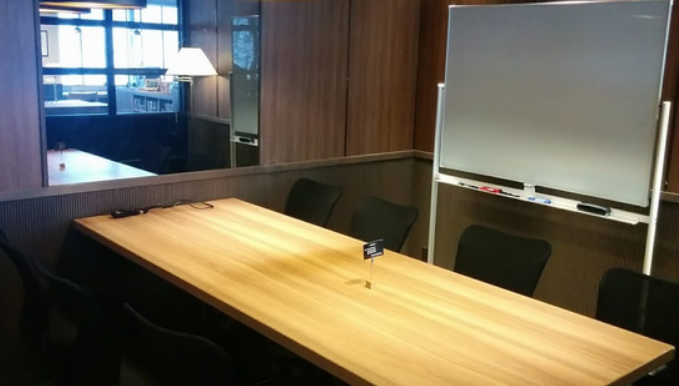 神保町の会議室